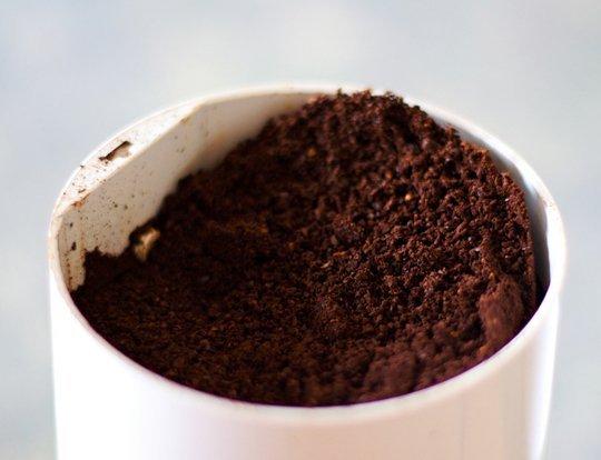 9 cách sử dụng bã cà phê trong khu vườn của bạn